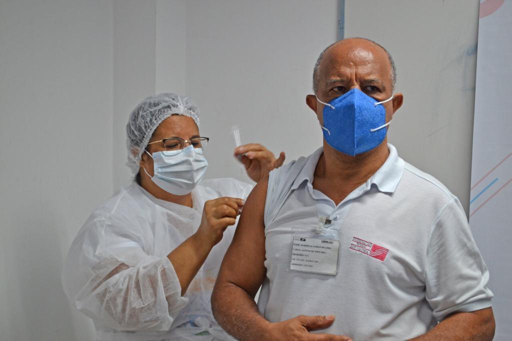 Inicío da imunização contra a Covid-19 é um marco nas unidades da Fundação José Silveira